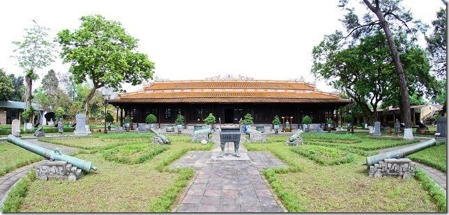 Khamphahue_DienLongAn_Quan-the-di-tich-co-do-hue[4]