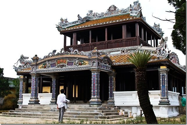 Khamphahue_ThaiBinhLau_Quan-the-di-tich-co-do-hue[4]