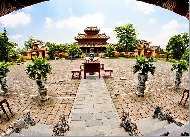 Khamphahue_TheMieu-HienLamCac_Quan-the-di-tich-co-do-hue[4]